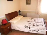2 bed Flat to rent in Post Office Road...