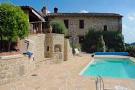 5 bed house for sale in Passignano Sul Trasimeno...