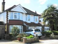 4 bedroom Detached property in Oaklands, London, N21