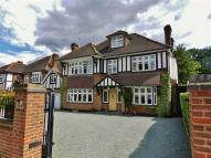 6 bed Detached property for sale in Broad Walk...