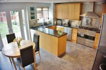 Town House to rent in Canford Close...