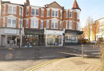 Maisonette in Station Road, London