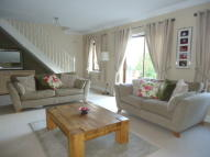 3 bedroom Detached property in Hillcrest View, Carlton...