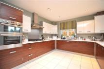 4 bedroom property in Ash Close, Banstead,