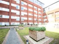 1 bedroom Flat in Canon Court...