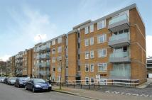 2 bedroom Flat to rent in Downside...