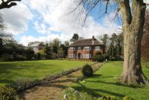 5 bed Detached house in Warwick Road...