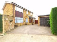 6 bed Detached home in Lawn Avenue...