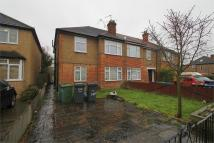 Eastcote Lane Maisonette to rent