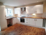 4 bedroom Town House to rent in Hendley Court, Colne