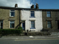 2 bed Terraced property in Ightenhill Park Lane...