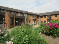1 bed Apartment in Waltham Court, Mill Road...
