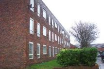 2 bed Ground Flat to rent in Ming Street, London, E14