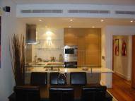 2 bed Flat to rent in Queenstown Road...