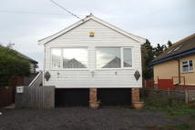 Detached Bungalow to rent in Point Clear