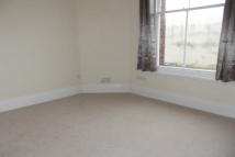 Flat in Town Centre