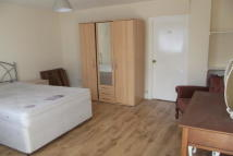 1 bedroom Flat in Barkingside IG6