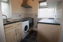 Flat to rent in WOODFORD  E18
