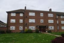 3 bedroom Flat in Clayhall IG5