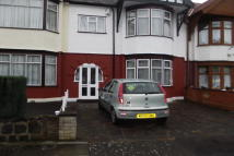Terraced property to rent in GANTS HILL   IG2