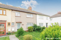 3 bedroom home to rent in Shakespeare Avenue...