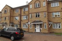 Flat to rent in Vicarage Court, Grays