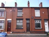 Terraced home to rent in Arthur Street, SHAW...