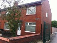 2 bedroom Terraced property to rent in Block Lane, CHADDERTON...