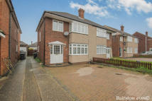 3 bed house in Palmers Way, Cheshunt...