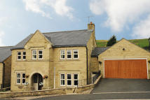 4 bed Detached property in Summerhill View, Denshaw...