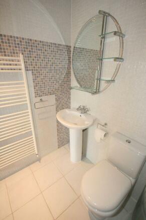 En-Suite Shower 3