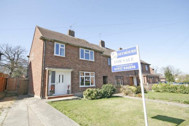 3 Bedroom House For Sale In Franklands Drive Addlestone Surrey Kt15 Kt15