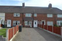 Terraced home to rent in Friar Park Road...