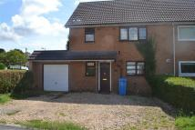 3 bedroom semi detached property to rent in Moatbrook Avenue...