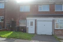 3 bed semi detached property to rent in Chiltern Drive...