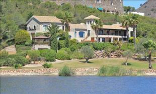 Lake to Villa