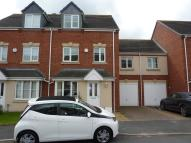 4 bed new house in Mayfield Close...
