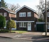 3 bedroom property in Austcliffe Close...