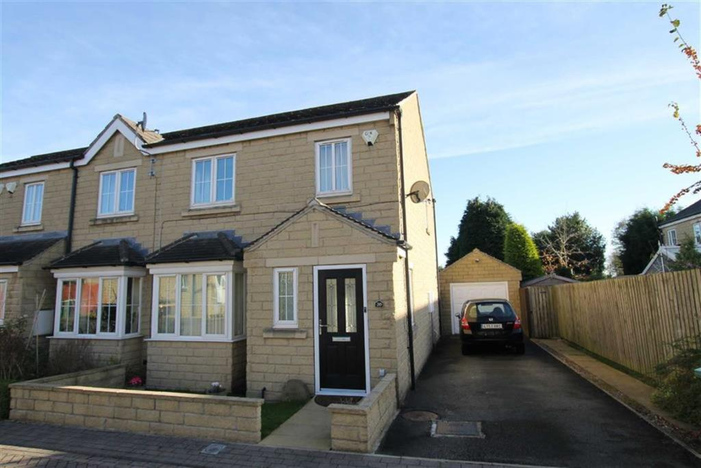 3 bedroom town house  Cuniver Court, Liversedge