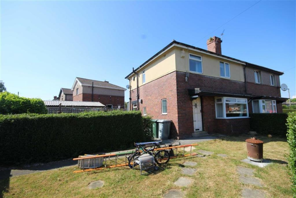 3 bedroom semi-detached house  Shirley Terrace, Gomersal, Wst Yorkshire