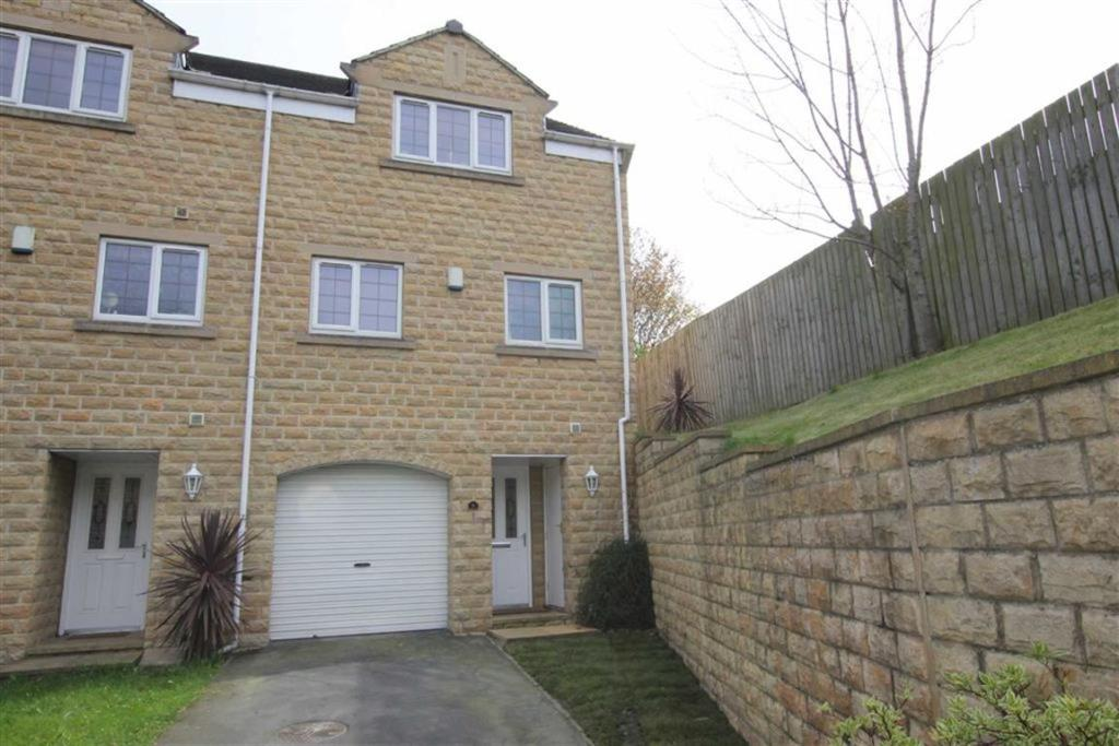 3 bedroom town house  Old Station Court, Heckmondwike