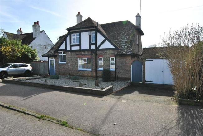 4 Bedroom Detached House For Sale In Terminus Avenue