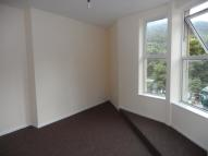 Commercial Street Arcade Flat to rent