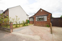 Detached Bungalow in Chalvey Grove, Chalvey...