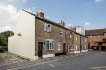 2 bedroom End of Terrace house in KING STABLE STREET, Eton...