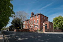 2 bed Apartment in Windsor Road, SL3
