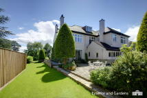 6 bed Detached house for sale in Cavendish Grange...