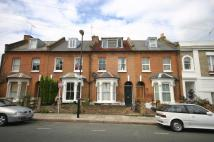 5 bed property in Calverley Grove London