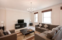 3 bedroom Flat in Stratton Street, Mayfair...