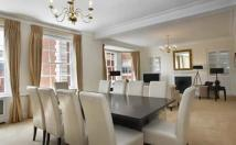 Flat to rent in Grosvenor Square...